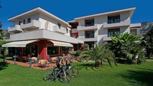 Hotel Villa Claudia, Szállodák  Nago-Torbole - big - 24