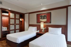 One-Bedroom Grand Suite