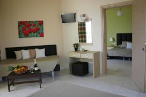 Lyristis Studios & Apartments, Апарт-отели  Фалираки - big - 3