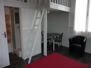 Hôtel-Résidence Le Grillon, Aparthotely  Arcachon - big - 47