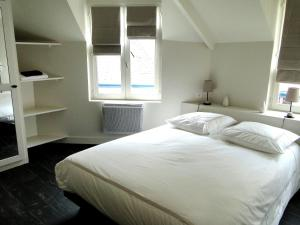 Le Six, Bed & Breakfast  Honfleur - big - 5