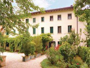 Three-Bedroom Apartment in Sacile -PD-, Apartmány  Sacile - big - 9