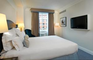 Hilton Deluxe Kamer met Queensize Bed