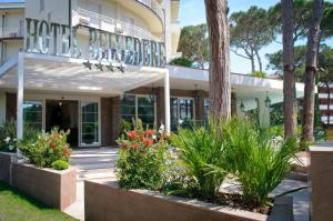 Hotel Belvedere, Отели  Морской Милан - big - 60