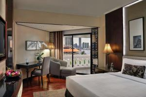 Deluxe River View Room