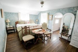 HideAway Country Inn, Bed and breakfasts  Bucyrus - big - 5