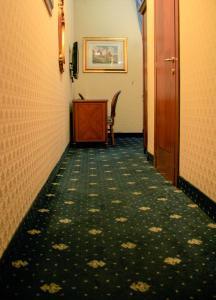 Double or Twin Room- Via Germanico 201