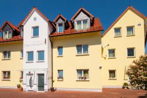 Hotel & Restaurant Hugenottengarten, Hotely  Friedrichsdorf - big - 1
