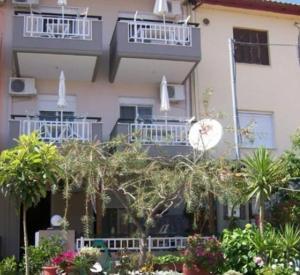 House Niki, Apartmány  Sarti - big - 1