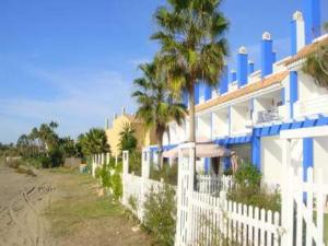 Beachfront townhouse Costa del Sol, Nyaralók  Estepona - big - 9