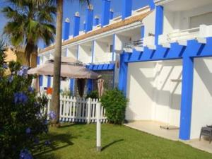 Beachfront townhouse Costa del Sol, Nyaralók  Estepona - big - 3