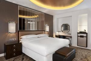 Superior Room, Guest room, 1 King
