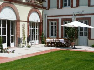 La Maison, Bed & Breakfasts  Toulouse - big - 26