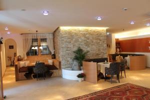 Gasthof zum goldenen Löwen, Penziony – hostince  Nauders - big - 49