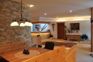 Gasthof zum goldenen Löwen, Penziony – hostince  Nauders - big - 50
