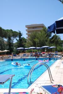 Park Hotel Marinetta, Hotely  Marina di Bibbona - big - 94