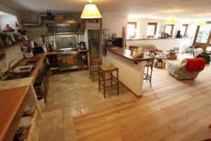 Maison Le Champ, Bed & Breakfast  La Salle - big - 9