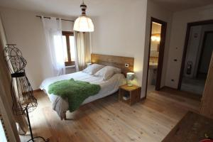 Maison Le Champ, Bed and Breakfasts  La Salle - big - 21