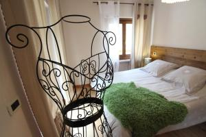 Maison Le Champ, Bed and Breakfasts  La Salle - big - 8