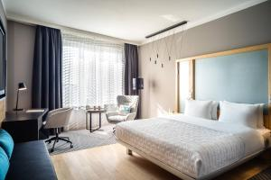Superior King Room, Guest room, 1 King, City view