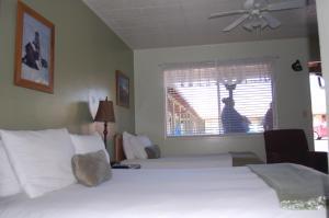 Trees Motel, Motels  Bishop - big - 14