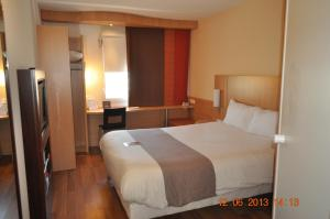 ibis Istres Trigance, Hotely  Istres - big - 5