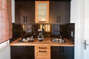 Miland Suites, Apartmány  Adamas - big - 4