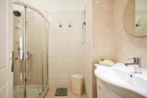 Miland Suites, Apartmány  Adamas - big - 10