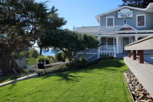 Ocean Echo Inn and Beach Cottages