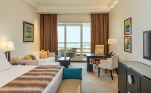 Premier Room, Executive lounge access, Guest room
