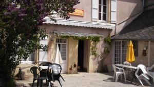 Chambres et Tables d'hôtes à l'Auberge Touristique, Bed & Breakfast  Meuvaines - big - 66