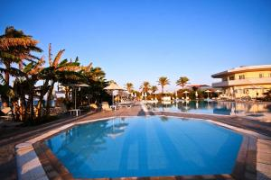 Zorbas Beach Hotel, Hotely  Tigaki - big - 62