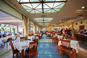 Zorbas Beach Hotel, Hotely  Tigaki - big - 60