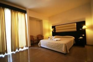 Zorbas Beach Hotel, Hotely  Tigaki - big - 57