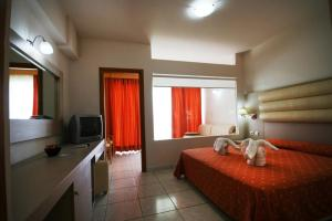 Zorbas Beach Hotel, Hotely  Tigaki - big - 55