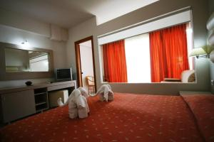 Zorbas Beach Hotel, Hotely  Tigaki - big - 54