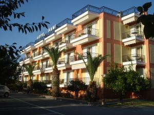 Fani Hotel, Aparthotely  Loutra Edipsou - big - 1