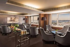 Club, Club lounge access, Guest room, 2 Twin/Single Bed(s)