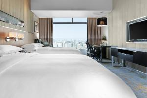 Club Twin Bed Room, Club lounge access, Guest room, 2 Double