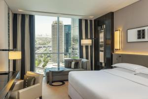 Deluxe View Room, Guest room, 1 King, Sheikh Zayed R. view