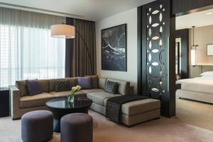 Deluxe Suite, Club lounge access, 1 Bedroom Suite, 1 King