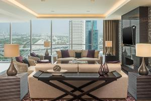 Presidential Suite, Club lounge access, 1 King, Skyline view