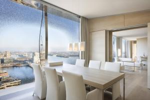 Presidential suite, Club lounge access, 1 King, River view