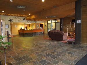 Walking Eagle Inn and Lodge