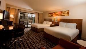 Queen Room with Two Queen Beds (No Resort Fees)