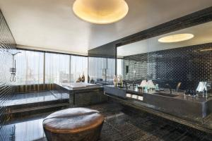 Wow, 1 Bedroom Vice Presidential Suite, 1 King, City view