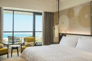 Super Deluxe, Guest room, 1 King, Sea view