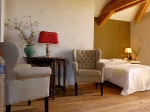 La Maison Forte, Bed & Breakfast  Montaut - big - 15