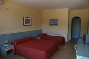 Hotel Villaggio Calaghena, Отели  Монтепаоне - big - 8