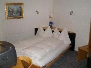 Hotel Rhonequelle, Отели  Обервальд - big - 6